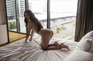 Mariette escort girls in Napa